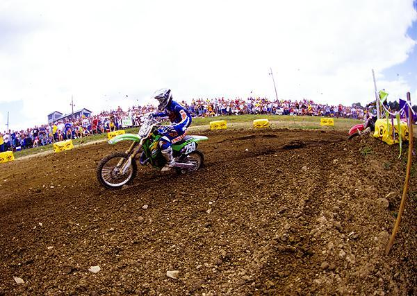James Stewart made one heck of a pro debut in 2002, winning the 125 National Championship with ease.