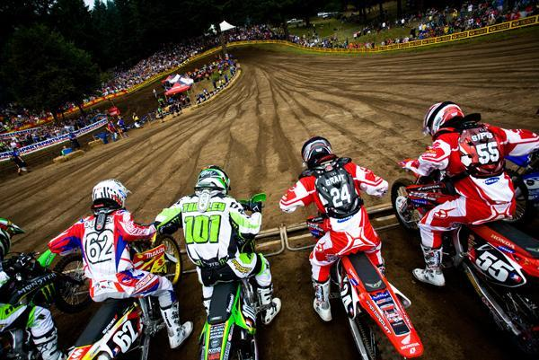 The 250 class launches at Washougal. All four of these guys are still very fast.