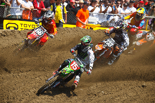 Dean Wilson showed speed all summer long in the 250 Class, here seen leading Jimmy DeCotis (66) and Chris Ploufe (233).